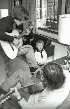 "luharibol: ""John / George / Pattie & Julian . """