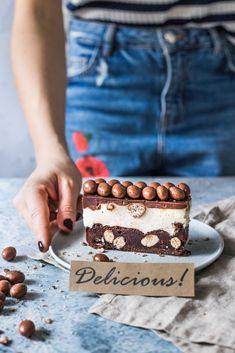 Sernik z białą czekoladą i Malteserami | Domowe Wypieki u Justyny i Doroty Food Cakes, Cheesecakes, Nutella, Tiramisu, Cake Recipes, Vegetarian Recipes, Food Porn, Food And Drink, Sweets