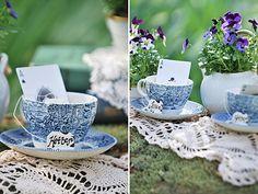 Two flower tea cups centro de mesa taza y flores