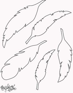 DIY Feather Bunting that is so easy to make, and includes a free printable feather template. 3d Templates, Templates Printable Free, Free Printables, Stencil Templates, Printable Stencils, Applique Templates, Applique Patterns, Silhouette Cameo, Silhouette Portrait