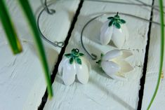 Color: white Prepare with flowers joy. Beautiful, handmade Bellflower / ceramic flower, an enchanting jewelry for your home. The flowers I have loving from individual ceramic elements to...