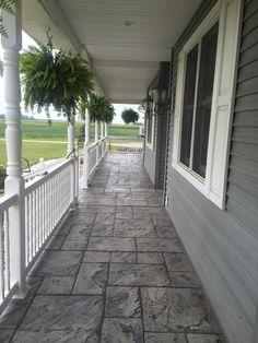 Ashler Slate stamped concrete with dove gray and domino coloring - Work-toptrendpin. Pergola Patio, Backyard Patio, Pergola Ideas, Pergola Kits, Walkway Ideas, Patio Privacy, Pergola Plans, Patio Ideas, Backyard Plan