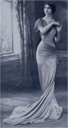 Margaine-Lacroix gown