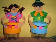 Junho e julho são os meses nos quais comemoramos as festividades juninas, não somente em escolas da comunidade, mas até mesmo em casa, entr...