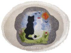 Hübsches Sitzkissen,ein  handgefilztes Unikat,man kann es als Stuhlkissen verwenden oder auch als Liegeplatz für eine Katze  ,es ist schön weich un...