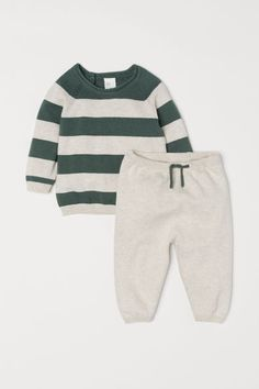 Newborn Schedule Discover Top and Pants - Light beige/green striped - Kids Toddler Boy Fashion, Toddler Girl Style, Toddler Girl Outfits, Baby Girl Fashion, Kids Fashion, Toddler Boys, Toddler Chores, Baby Outfits, Kids Outfits