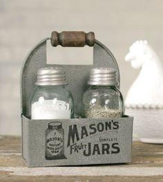 1 X Mason's Jars Box Salt and Pepper Caddy with Wood Handle farmhouse chic decor ideas
