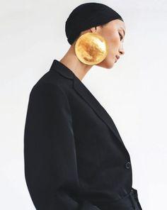 JiHye Park photographed by Damien Kim for Vogue Korea August 2018 Foto Fashion, Vogue Fashion, Fashion Shoot, High Fashion, Vogue Korea, Vogue Spain, Jewelry Editorial, Editorial Fashion, Jewelry Photography