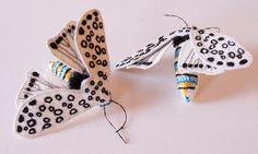 Broche Papillon de Nuit Hypercompe scribonia par BlueTerracotta