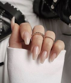 """If you're unfamiliar with nail trends and you hear the words """"coffin nails,"""" what comes to mind? It's not nails with coffins drawn on them. It's long nails with a square tip, and the look has. Blush Nails, Nude Nails, White Nails, Fall Acrylic Nails, Acrylic Nail Designs, Fall Nails, Spring Nails, Christmas Acrylic Nails, Acrylic Nails Coffin Matte"""