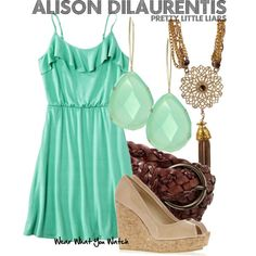 Inspired by Sasha Pieterse as Alison DiLaurentis on Pretty Little Liars. Pretty Little Liars Outfits, Pretty Outfits, Cute Outfits, Girl Fashion, Fashion Looks, Fashion Outfits, Fashion Styles, Fashion Trends, Pll Outfits