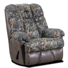 Duck Commander Recliner in Real Tree Max 4 Twill available at Gallery Furniture in Smithfield, NC.