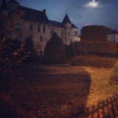 #Vichy #moon #chateau #commeunepeinture