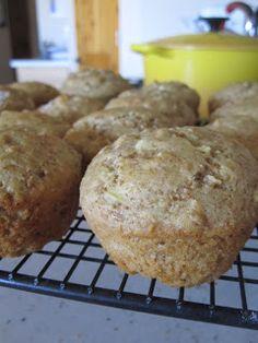 Neighbor Julia: Low Fat Apple Bran Muffins