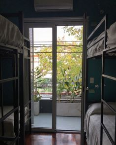 Caravan BA Hostel Boutique #room #hostel #design #cool #archilovers #architecture #habitacion #boutique #hotel #hostelboutique #diseño #detalles #details #balcony #view