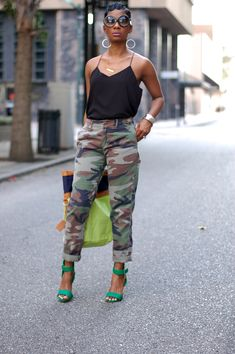 One of the best ways to style out green heels for a perfect outfit. Camo Pants Outfit, Camo Outfits, Heels Outfits, Casual Outfits, Summer Outfits, Camo Fashion, Love Fashion, Fashion Outfits, Fashion Looks