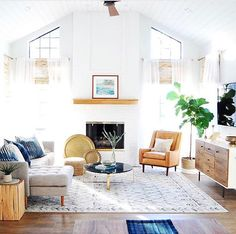 Great living room decor and style ideas: Are you re decorating your living room? Turn the home of yours into a haven for enjoyment with our living room inspiration ideas. Click the link for more. My Living Room, Living Room Interior, Home And Living, Living Room Furniture, Living Room Decor, Living Spaces, Usa Living, Dining Room, Bathroom Interior