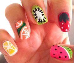 ¡Innovación! Uñas con dibujos de frutas