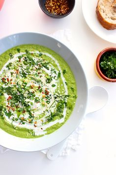 Broccoli and Coconut Vegan Soup// ready in under 15 mins