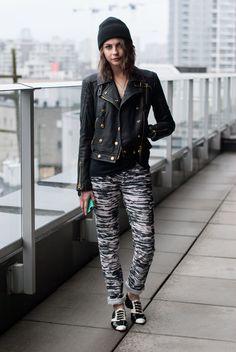 Willa Holland Burberry jacket Isabel Marant pants Chanel flats #streetstyle #tkc