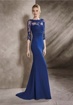 It's My Party | Long mermaid evening dress in crepe with a boat neck neckline…