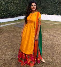 Punjabi Suits Designer Boutique, Indian Designer Suits, Embroidery Suits Punjabi, Embroidery Suits Design, Designer Party Wear Dresses, Kurti Designs Party Wear, Punjabi Wedding Suit, Punjabi Bride, Indian Bridal Outfits