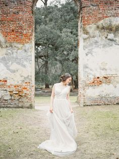 Romantic bridal inspiration amongst the Old Sheldon Church Ruins in South Carolina by Ivory & Bliss