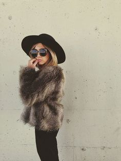 68 Trendy Winter Outfits How To Stay Warm And Still Look Cute And Stylish Looks Chic, Looks Style, Style Me, Moda Formal, Look Blazer, Moda Fashion, Sporty Fashion, Ski Fashion, Dress Fashion