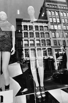Lee Friedlander's New York City Mannequins - The New Yorker Lee Friedlander, Artistic Photography, Film Photography, Creative Photography, Street Photography, Window Photography, Contemporary Photography, Documentary Photography, Urban Photography