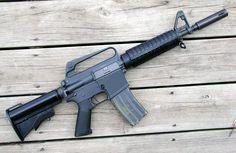 Colt Le6920 Next To The Le6940 Guns Battle Rifle M4