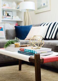 10 Beautiful Benches to DIY This Weekend Diy Woven Bench, Diy Bench, Entryway Bench, Diy Interior, Interior Design, Diy Pallet Furniture, Handmade Furniture, Furniture Ideas, Handmade Home