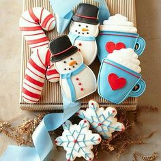 Christmas Ideas -- Christmas cookies, decorated sugar cookies box gift, snowman Christmas gifts, holiday gift guide (Christmas Bake Boxes)