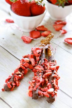 Strawberry Chocolate Covered Pretzels