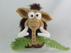 55.00$  Buy here - http://aliafr.shopchina.info/go.php?t=32785813147 - Amigurumi Crochet Maurice the Mammoth toy doll rattle 55.00$ #aliexpress