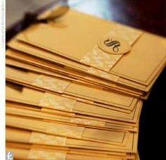 Uno de los primeros preparativos cuando se ha tomado la decisión de casarse y planear el evento es seleccionar el diseño de las invitaciones para la boda. Y que mejor que coordinar todo el color de tu boda: en el pastel, las invitaciones, los centros de mesa y hasta en el vestido de la novia sin dejar un solo detalle librado al azar.