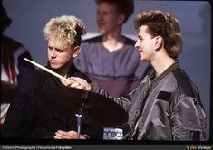 101 отметок «Нравится», 1 комментариев — Duckie - 16 - Devotee (@depeachy_edits) в Instagram: «#Repost @myheavenis.depechemode with @repostapp ・・・ Their hair is simply magnificent (Pic by…»