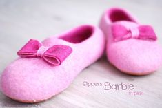 A gorgeous set of custom made slippers/ home shoes in pink by zavesfelt, (cost: 71.)