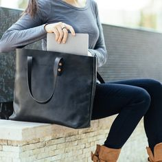 A solidly built tote bag is an everyday staple. Day, night, travel, errands - the Whipping Post Vintage Tote bag embodies utility. This time we've used a full-grain black leather that is really nice.