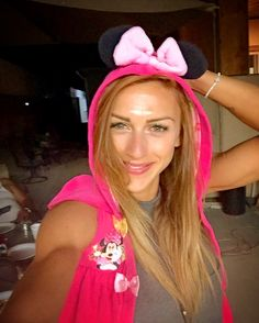 If you're not barefoot...then you're overdressed!Enjoy summer nights!  #cate #summernights #overdressed #minniemouse #drinkdrankdrunk #enjoylittlethings #secondfamily #losangeles #travel #vacation #holiday #california #barbecue #happy #smile #liveyourlife #fitnessmodel #personaltrainer #katerinavarela