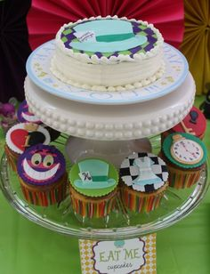 Mad Hatter: The Cake & Cupcakes