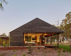 Modern Australian Farm House with Passive Solar Design (13)