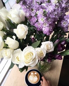 Not a fan of chocolate or simply want to treat yourself or someone special to blooms this Easter? @breidahlblooms creates the most flawless bouquets enter TPC15 at checkout for 15% off orders to the end of March  #perthflorist #perthcoffee #perthgirlboss #claremont #swanbourne #theperthcollective