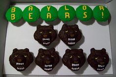 baylor university cupcakes-- If I get accepted and choose to attend Baylor, so making these and taking them to rehearsal!