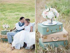 vintage suitcases for wedding Modern Wedding Reception, Wedding Lounge, Plan My Wedding, Wedding Shoot, Elegant Wedding, Diy Wedding, Rustic Wedding, Dream Wedding, Wedding Ideas