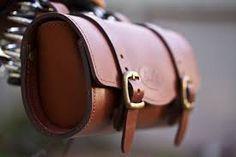 Resultado de imagen para leather saddlebags for motorcycles