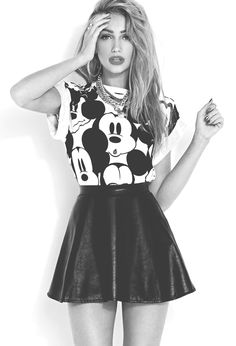 If you are a true fashionista, you will love this edgy outfit. Wear a leather skater skirt, a tshirt with Disney sketched on it and white sneakers or ballerina shoes. A golden necklace and light red lipstick make the outfit… Continue Reading → Grunge Fashion, Cute Fashion, Look Fashion, Teen Fashion, Fashion Outfits, Womens Fashion, Disney Fashion, Fashion For Teens, Skirt Fashion