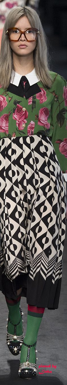 Gucci Fall 2016 Ready-To-wear~pinned by Linka Crosby