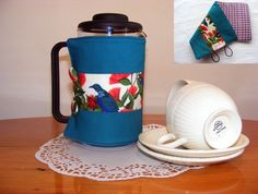 Tui Coffee Cosy How To Look Pretty, Cosy, Feel Good, Coffee Cups, Feels, Make It Yourself, Sweet, How To Make, Candy