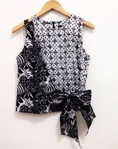 Black n White Blouse Batik, Batik Dress, Batik Kebaya, Diy Clothes, Clothes For Women, Batik Fashion, Batik Pattern, Fashion Outfits, Womens Fashion