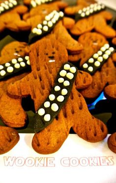 I'm making these next year instead of ginger - Star Wars Cookie - Ideas of Star Wars Cookie - Wookie Cookies Star Wars Party. I'm making these next year instead of ginger bread cookies Star Wars Food, Star Wars Cake, Star Wars Party Food, Wookie Cookies, Aniversario Star Wars, Beaux Desserts, Festa Party, Star Wars Birthday, Gingerbread Cookies